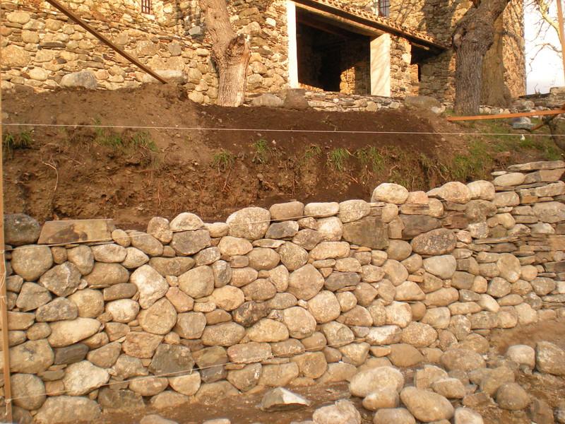 restauration mur granit et schiste 1. Black Bedroom Furniture Sets. Home Design Ideas