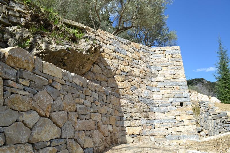 Chantier remarquable - Mur soutenement pierre ...